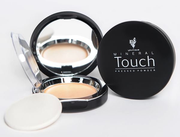 Younique Touch Mineral Cream Foundation Compact