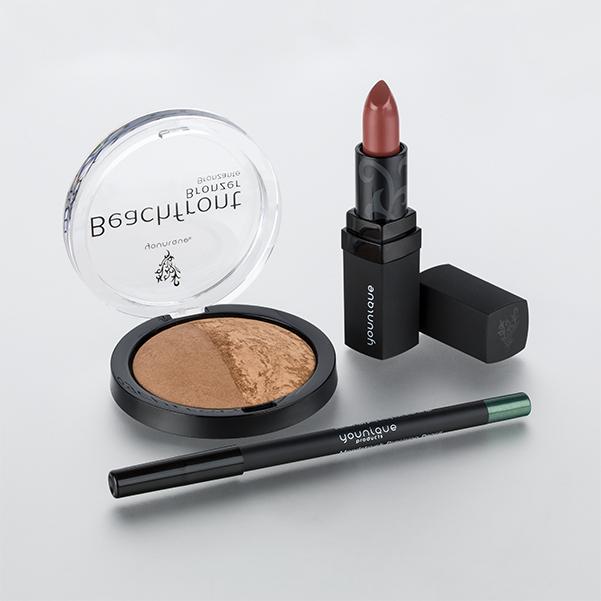 younique lipstick August kudos