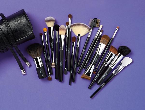 Younique Complete Brush Set Younique Makeup Skincare