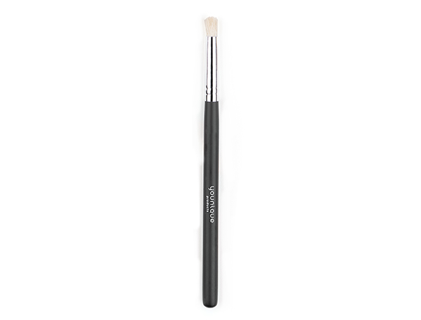 Younique Crease Brush Younique Makeup Skincare Amp Cosmetics